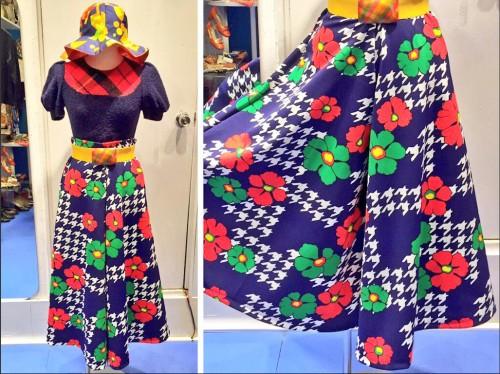 花柄のチューリップ・ハットとガウチョパンツは「70年代」デッドストック生地を使ったオリジナル商品