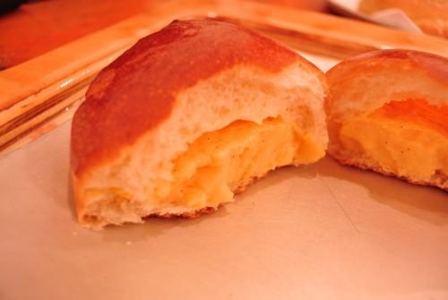 幻のクリームパンは卵が決め手。数量限定なので売り切れ必至。